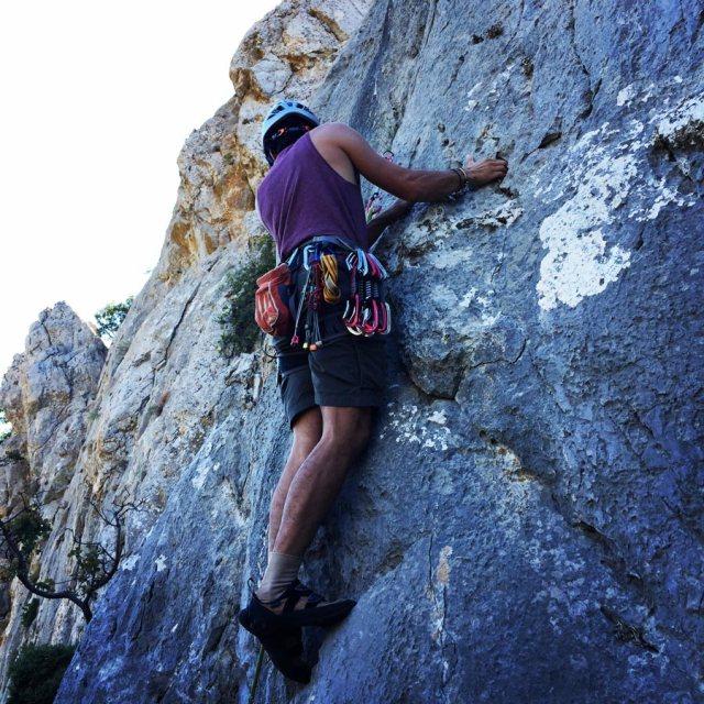 Climbing_Pillars_Of_Winds_1554