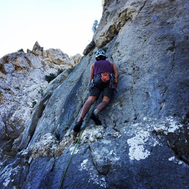 Climbing_Pillars_Of_Winds_1555