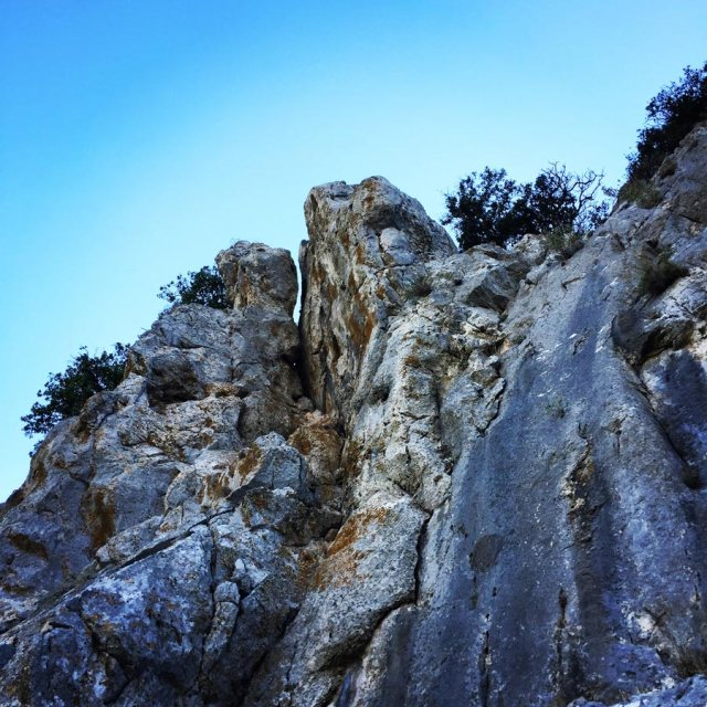 Climbing_Pillars_Of_Winds_1560