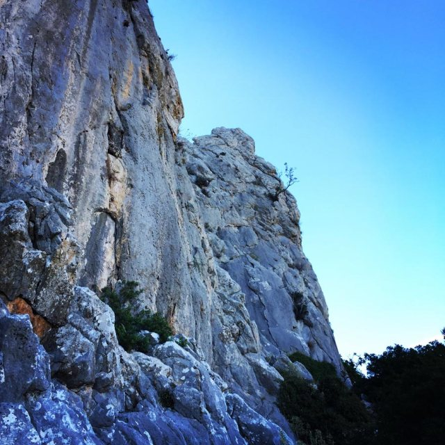 Climbing_Pillars_Of_Winds_1562