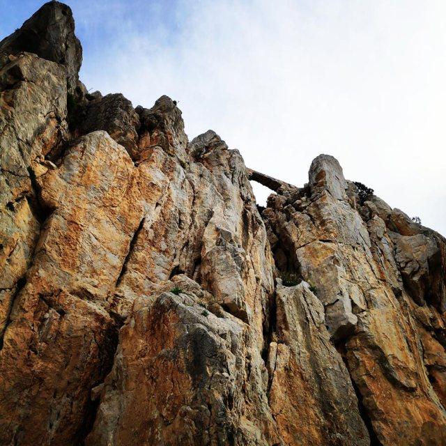 Climbing_Kastro_Thermisia_Castle_11