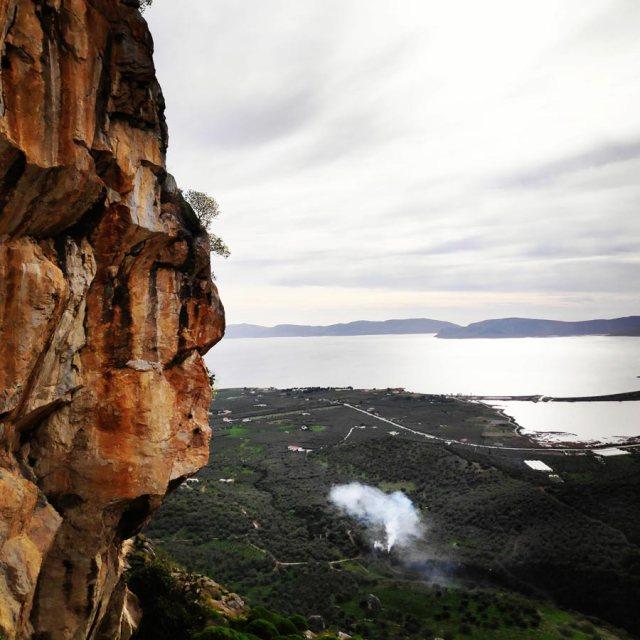 Climbing_Kastro_Thermisia_Castle_12