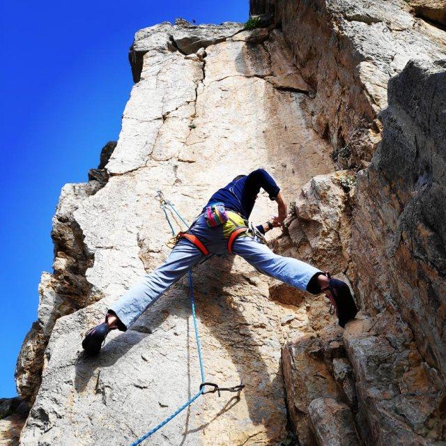 Climbing_Kastro_Thermisia_Castle_21
