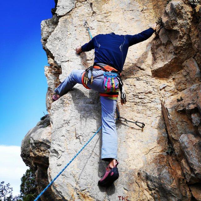 Climbing_Kastro_Thermisia_Castle_22