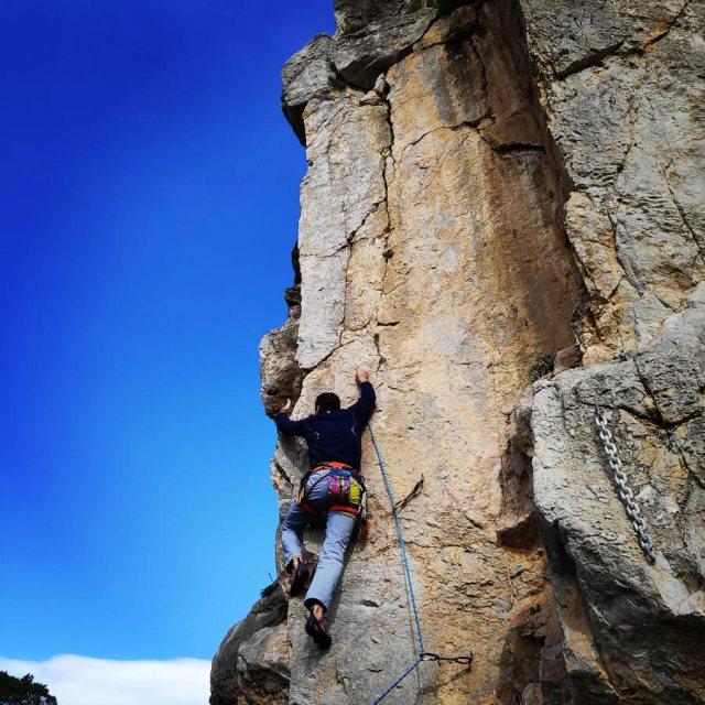 Climbing_Kastro_Thermisia_Castle_23