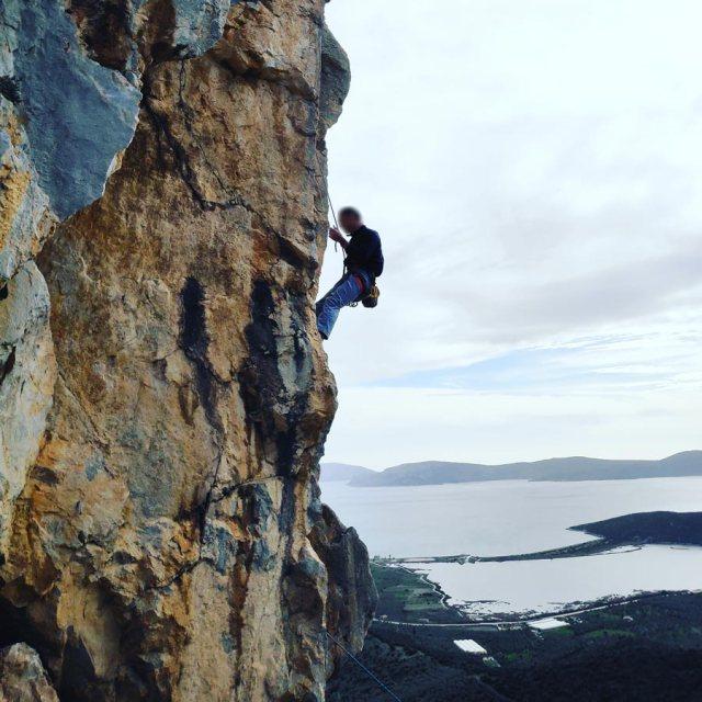 Climbing_Kastro_Thermisia_Castle_27