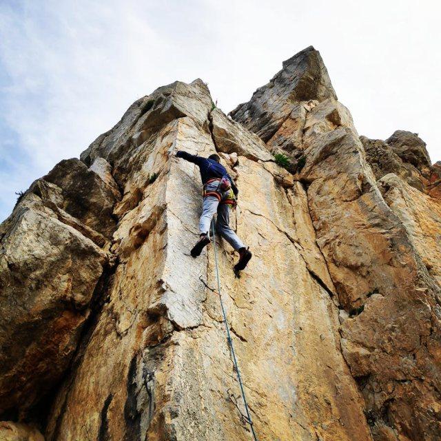 Climbing_Kastro_Thermisia_Castle_28