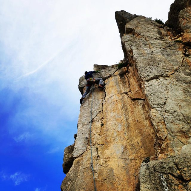 Climbing_Kastro_Thermisia_Castle_30
