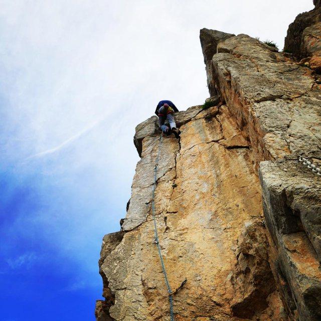 Climbing_Kastro_Thermisia_Castle_31