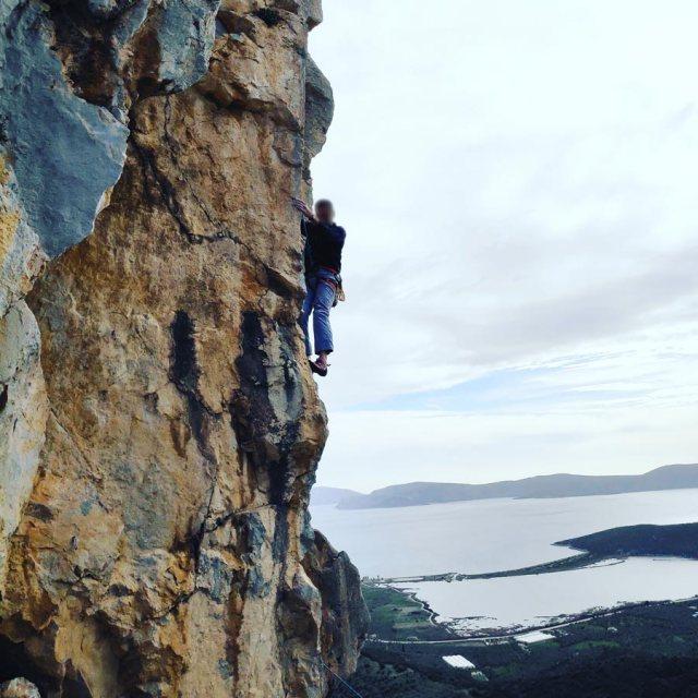 Climbing_Kastro_Thermisia_Castle_38