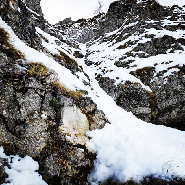 Winter_Climb_Tzoumerka_Athamanika_Stroggoula_Agrofylakas_Couloir_20181222_172927_936