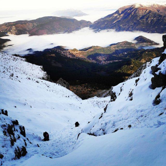 Winter_Climb_Tzoumerka_Athamanika_Stroggoula_Agrofylakas_Couloir_20181222_173001_024