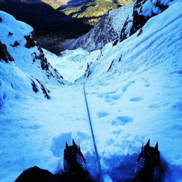 Winter_Climb_Tzoumerka_Athamanika_Stroggoula_Agrofylakas_Couloir_20181222_173022_711