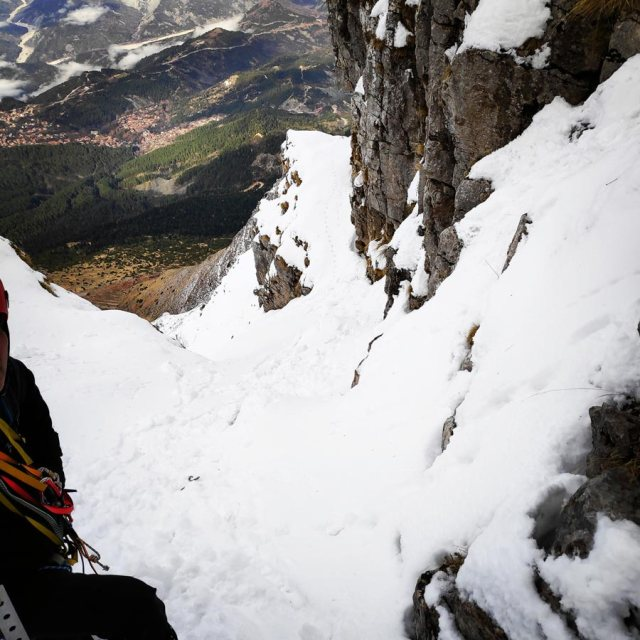 Winter_Climb_Tzoumerka_Athamanika_Stroggoula_Agrofylakas_Couloir_20181222_173547_772