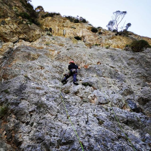 Climbing_Korakofolia_Parnitha__081003_714