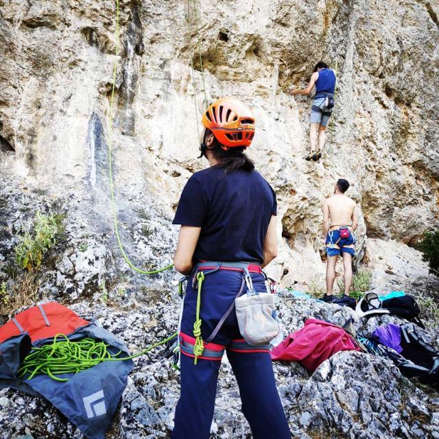 Climbing_Korakofolia_Parnitha__081802_648