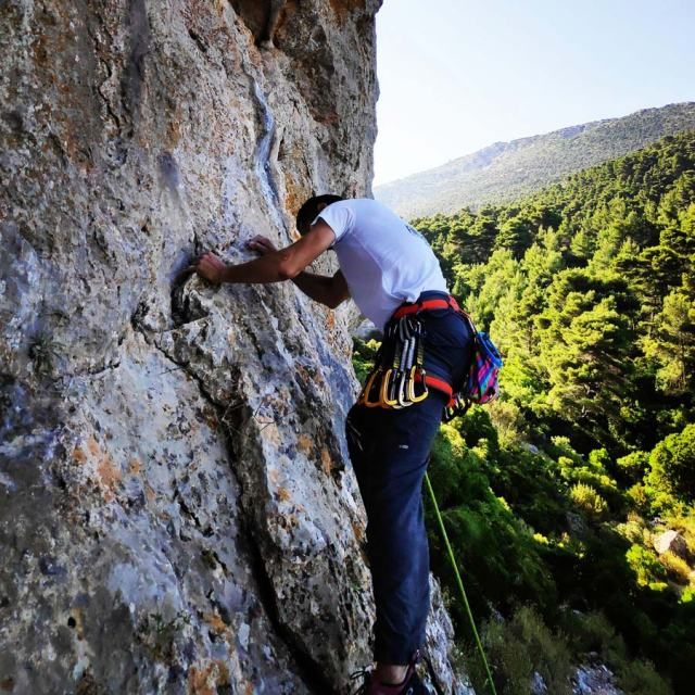 Climbing_Korakofolia_Parnitha__081846_801