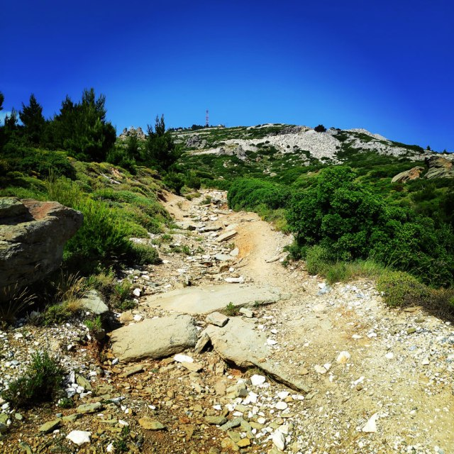 Climbing_Sibligades_Penteli_Athens_125659_935