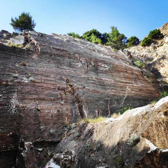 Climbing_Sibligades_Penteli_Athens_130012_876