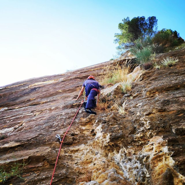 Climbing_Sibligades_Penteli_Athens_130116_458