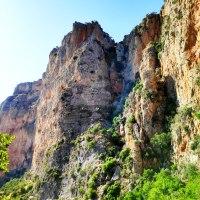 Multi-pitch climb on Kokkinovrachos - Leonidio - Mignonette