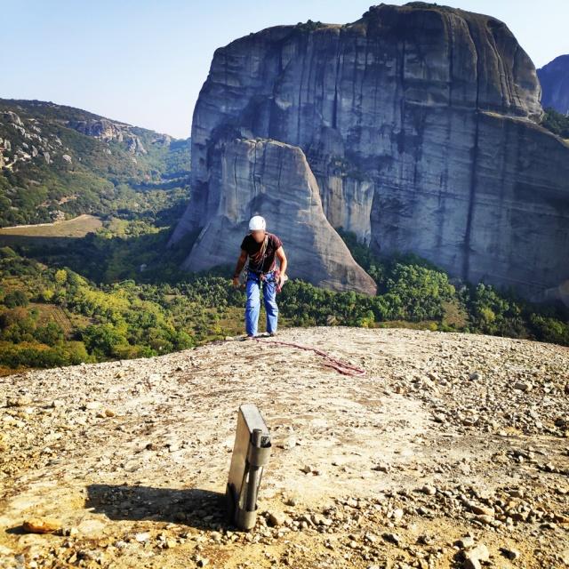 Climbing_Meteora_Doupiani_Rock_085950_650