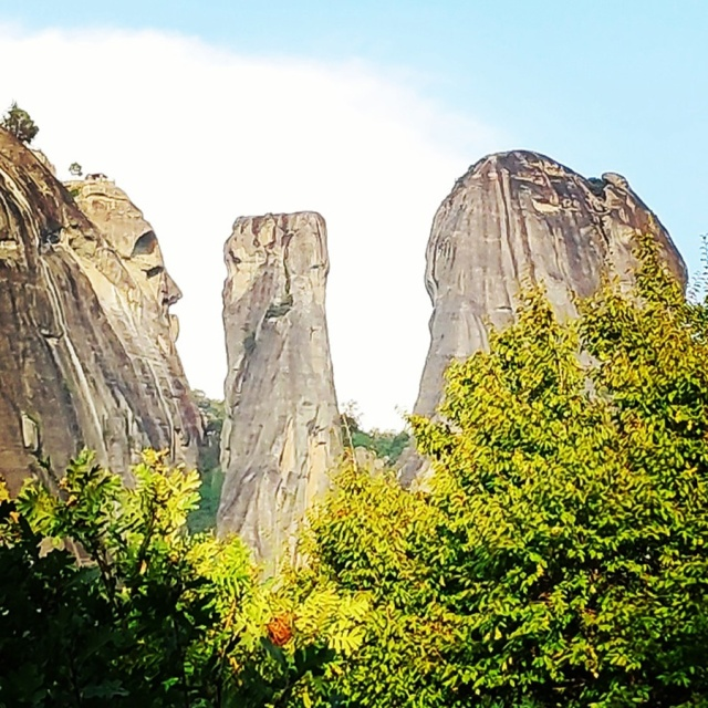 Climbing_Meteora_Doupiani_Rock_090601_316