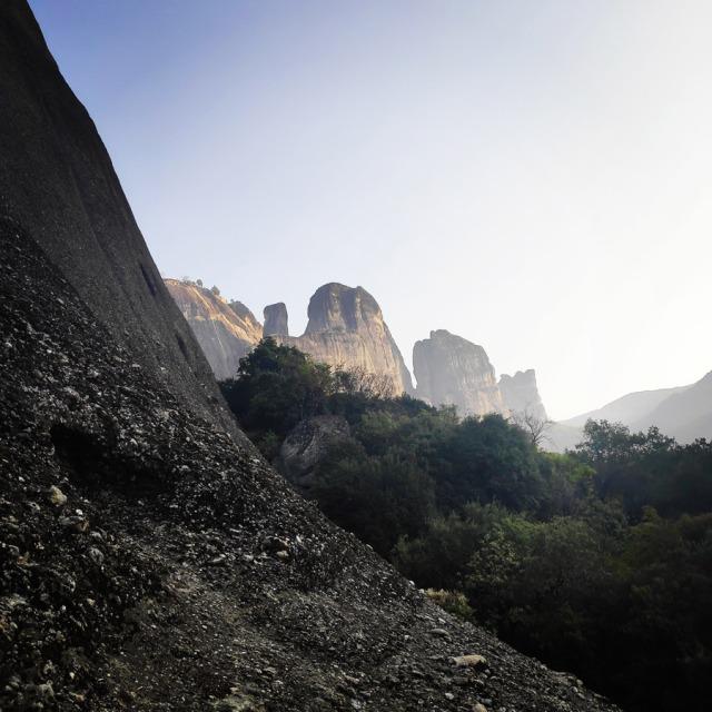 Climbing_Meteora_Doupiani_Rock_090942_430