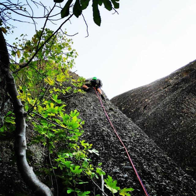 Climbing_Meteora_Doupiani_Rock_091854_468