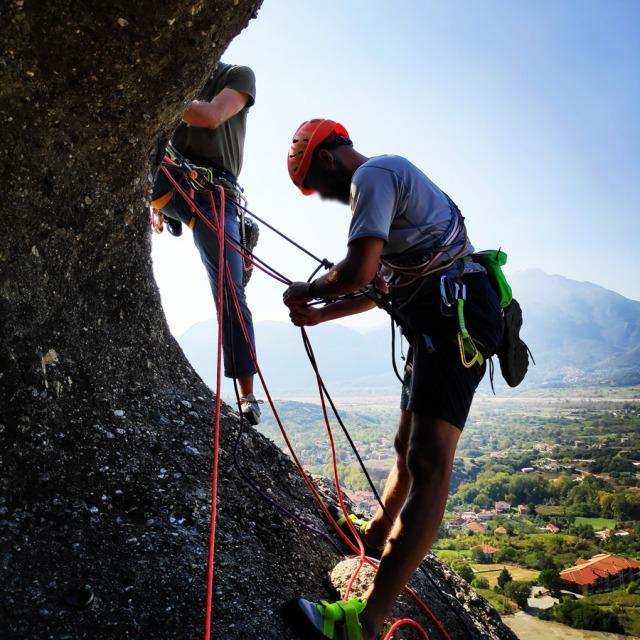 Climbing_Meteora_Doupiani_Rock_092029_534