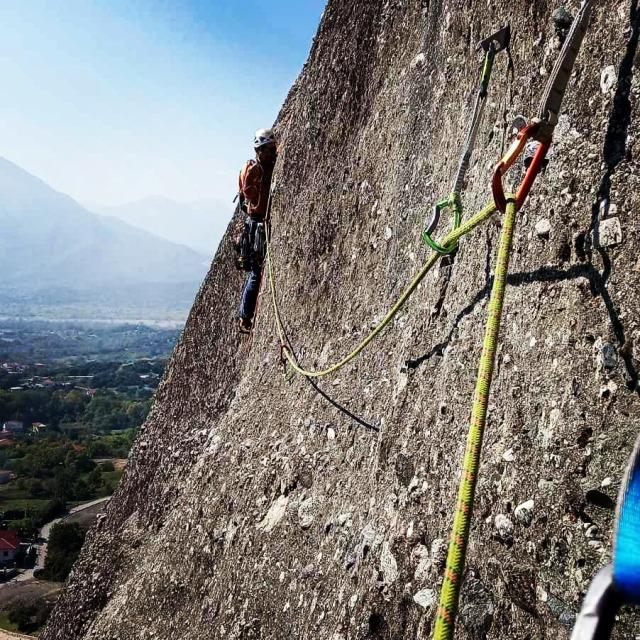 Climbing_Meteora_Doupiani_Rock_092449_010