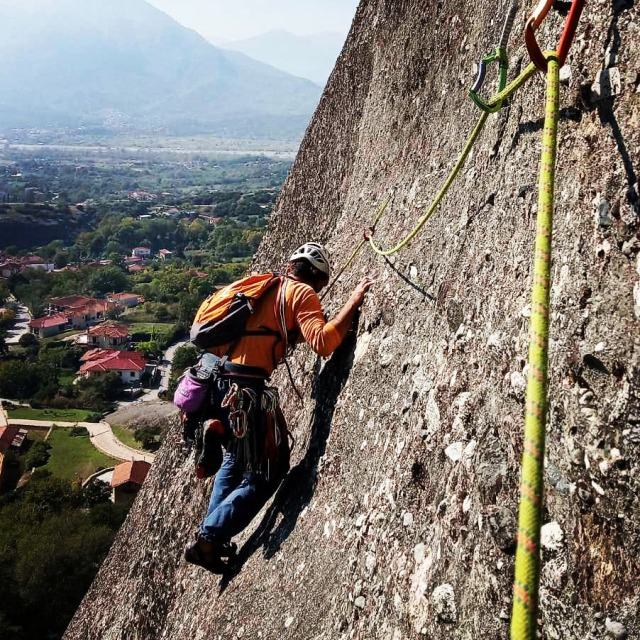 Climbing_Meteora_Doupiani_Rock_092535_076