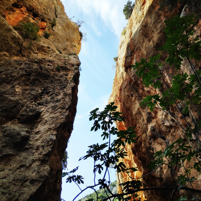 Climbing_Leonidio_Mini_Canyon_072658_276