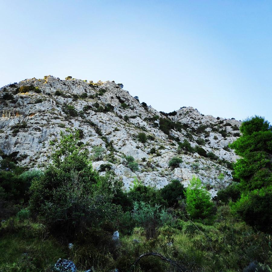 Multipitch_climbing_Tsirio_To_Proto_Onia_mountain_071757_863