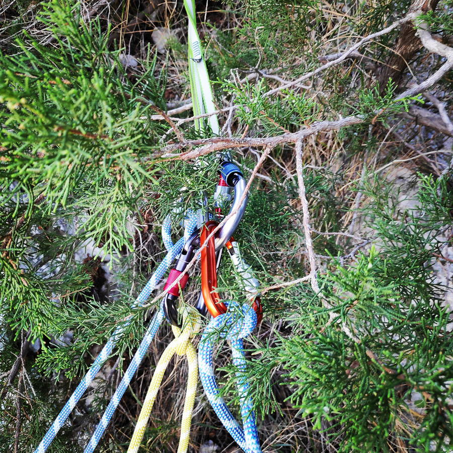 Multipitch_climbing_Tsirio_To_Proto_Onia_mountain_072721_485