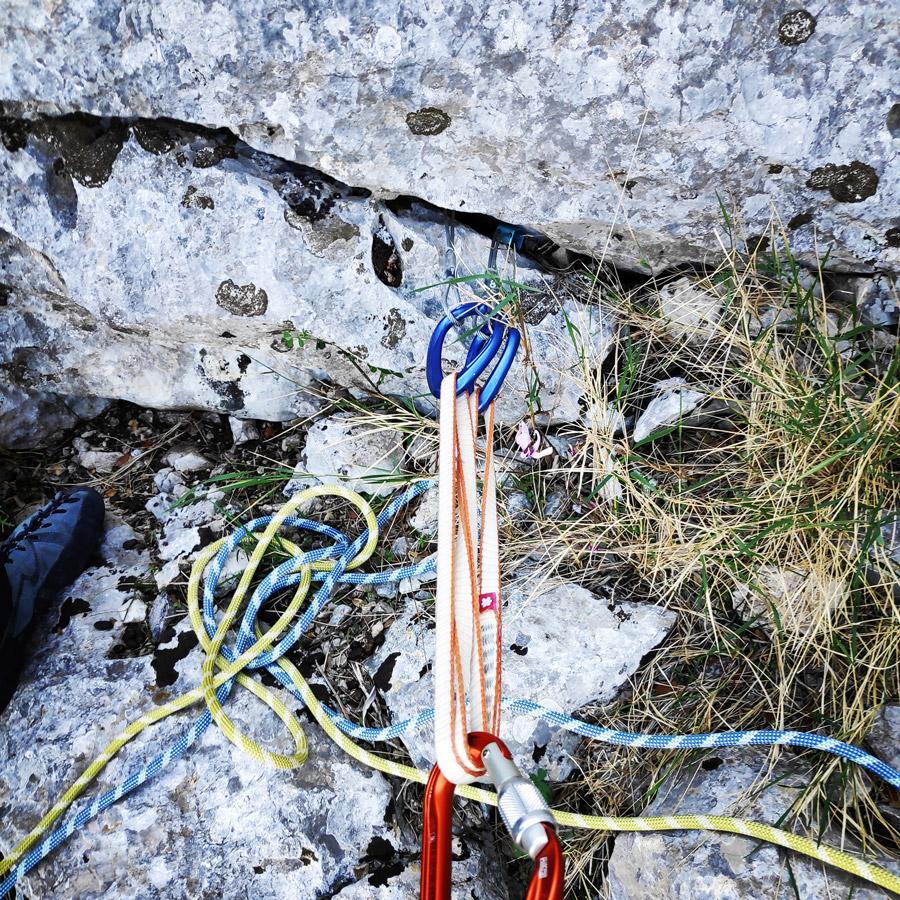 Multipitch_climbing_Tsirio_To_Proto_Onia_mountain_072846_347