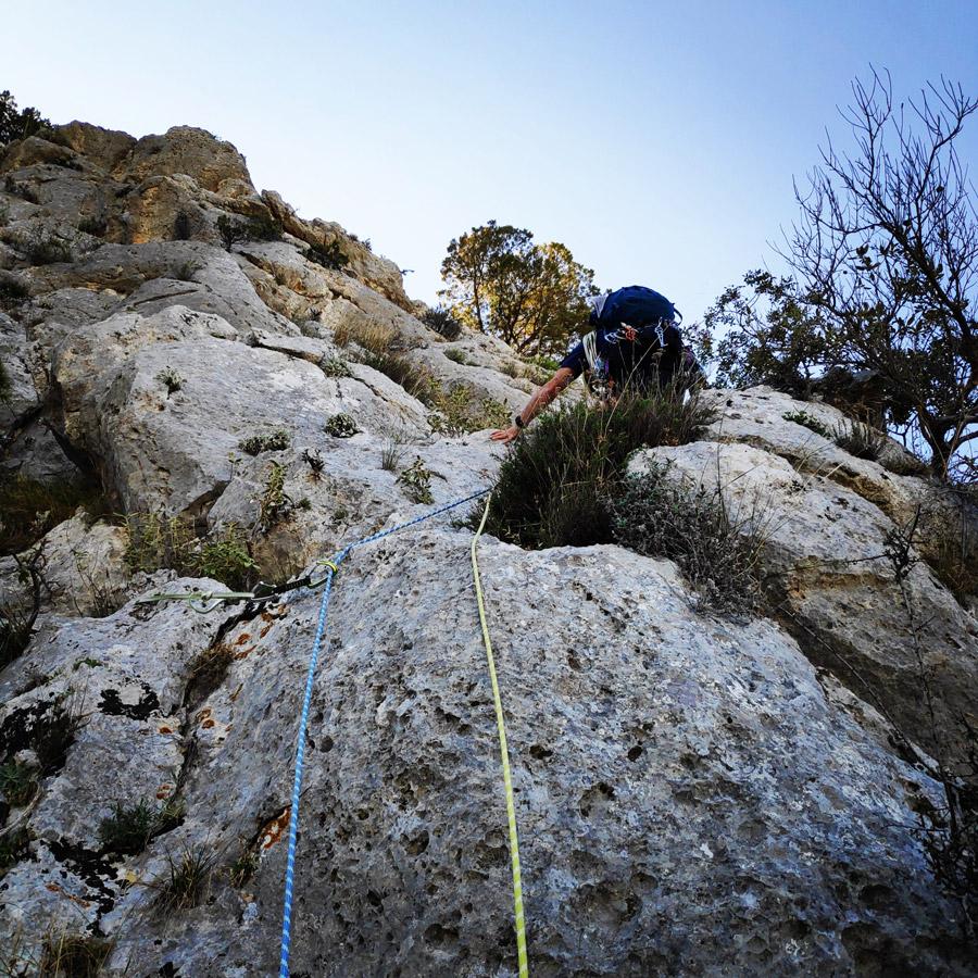 Multipitch_climbing_Tsirio_To_Proto_Onia_mountain_073020_890