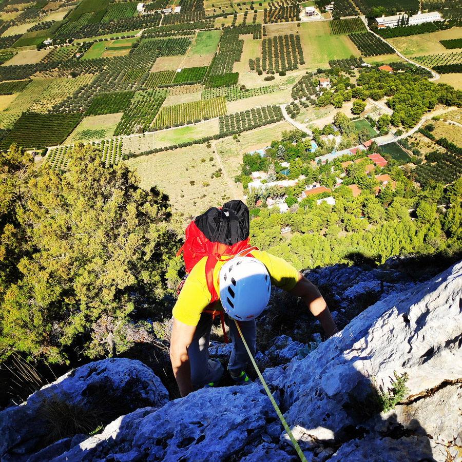 Multipitch_climbing_Tsirio_To_Proto_Onia_mountain_073433_980