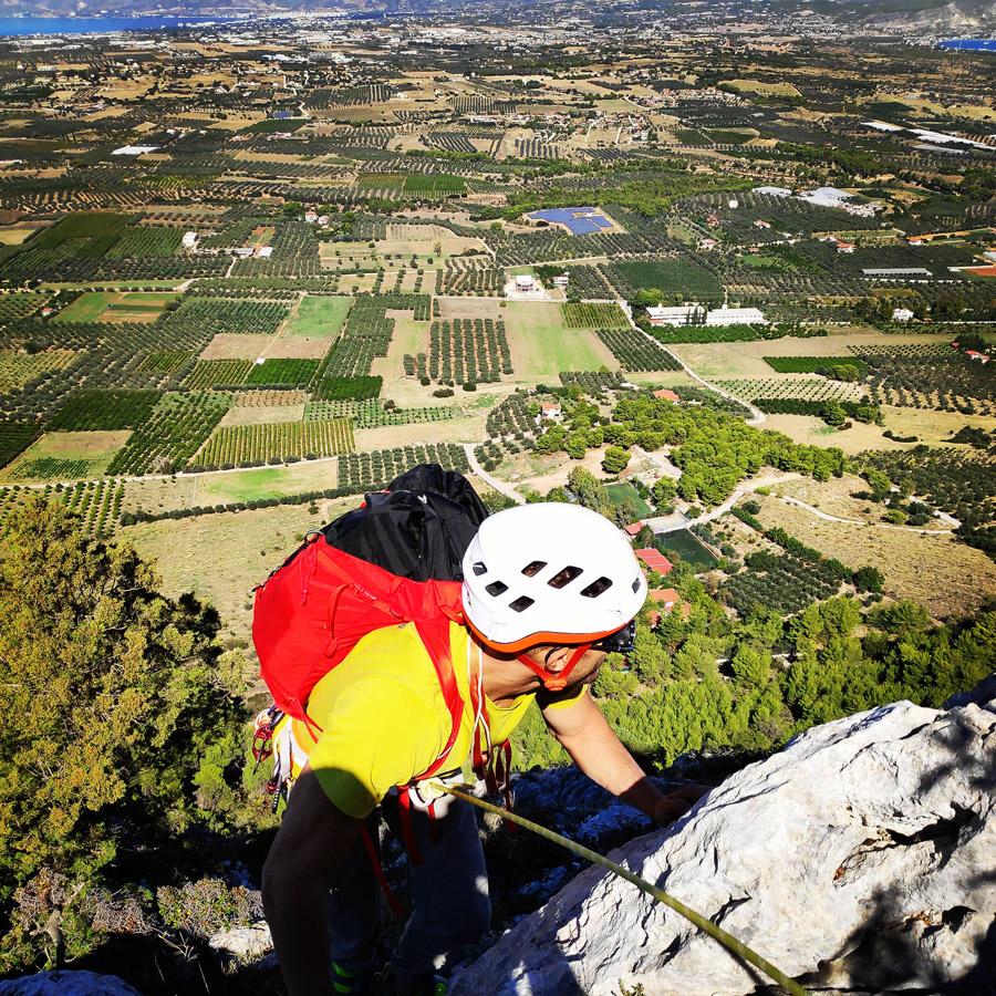 Multipitch_climbing_Tsirio_To_Proto_Onia_mountain_073500_776