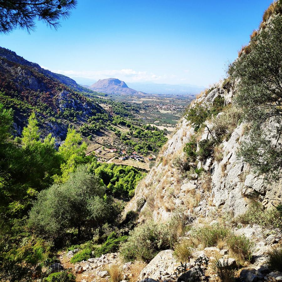 Multipitch_climbing_Tsirio_To_Proto_Onia_mountain_073726_179