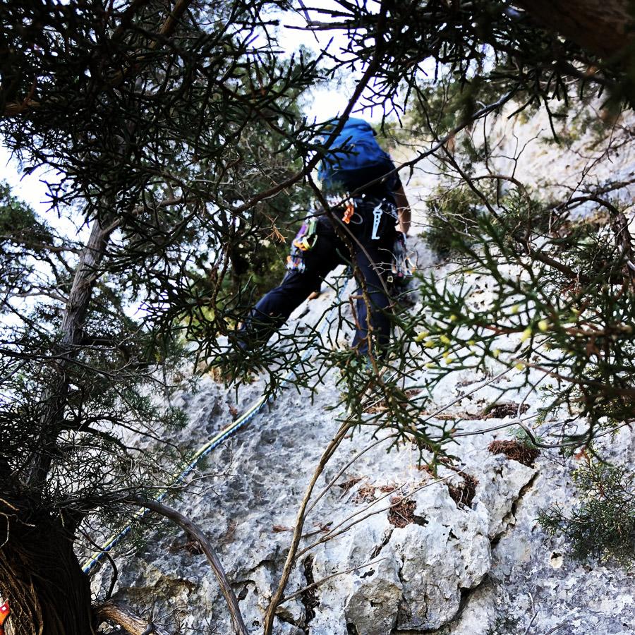 Multipitch_climbing_Tsirio_To_Proto_Onia_mountain_074732_140