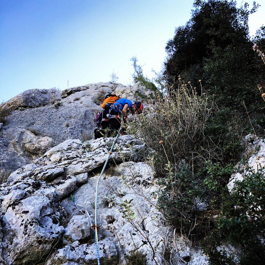 Multipitch_climbing_Tsirio_To_Proto_Onia_mountain_074938_781