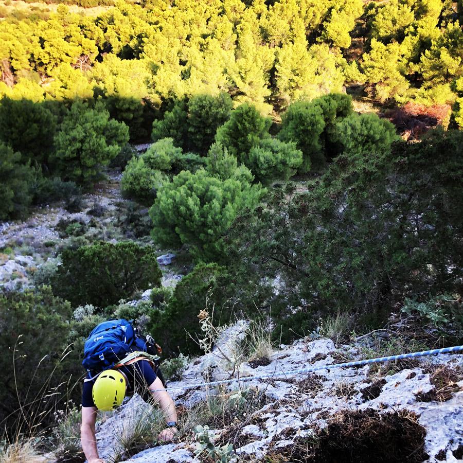 Multipitch_climbing_Tsirio_To_Proto_Onia_mountain_075024_049