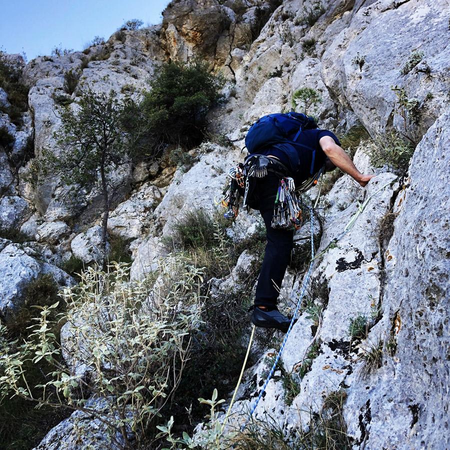 Multipitch_climbing_Tsirio_To_Proto_Onia_mountain_075148_125
