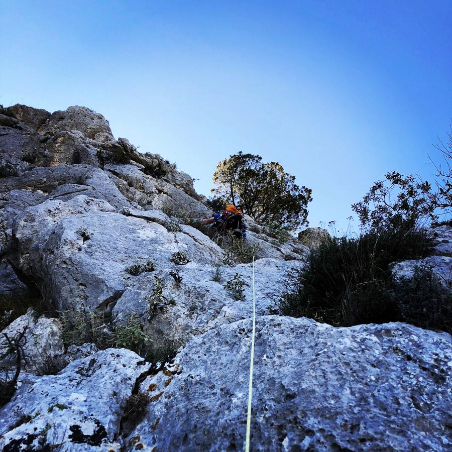 Multipitch_climbing_Tsirio_To_Proto_Onia_mountain_075219_601