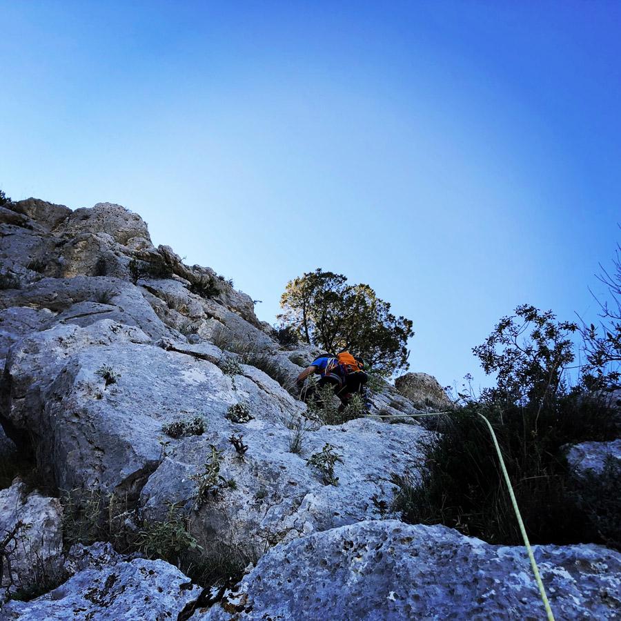 Multipitch_climbing_Tsirio_To_Proto_Onia_mountain_075324_155