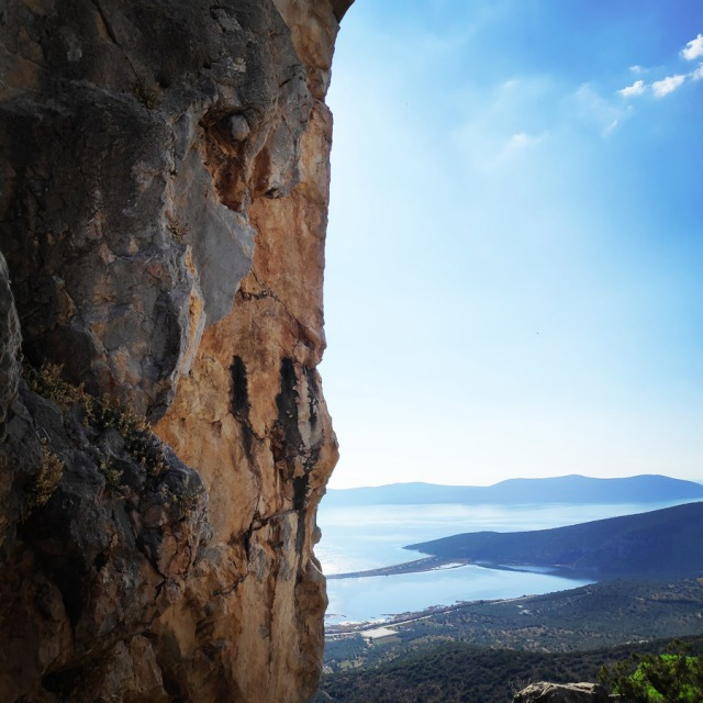 Climbing_Castle_Thermisia_Kastro_Ermionida_Greece_03