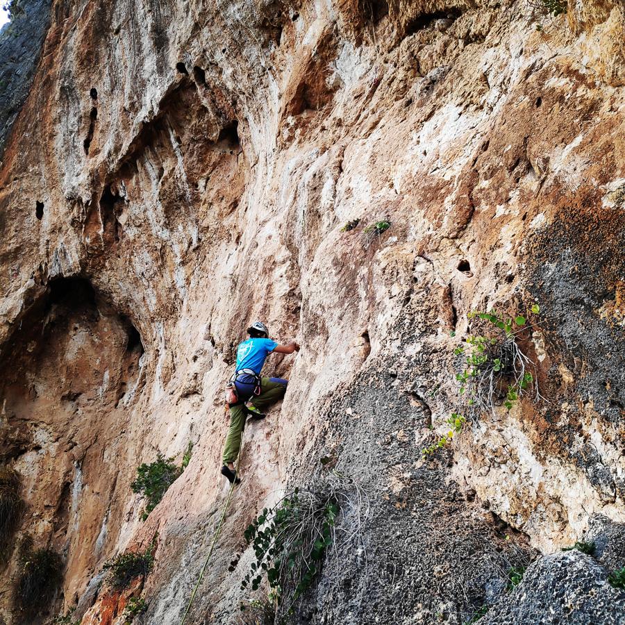 Climbing_Kandia_Argolis_Agios_Andonis_194659_430