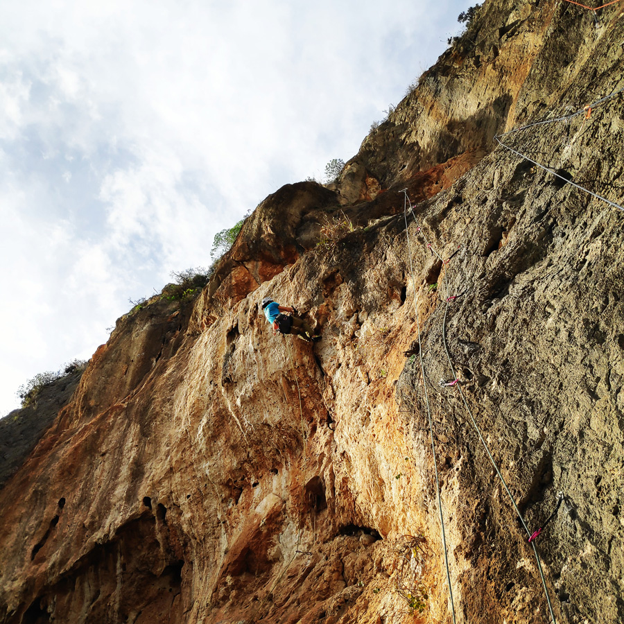 Climbing_Kandia_Argolis_Agios_Andonis_195039_495