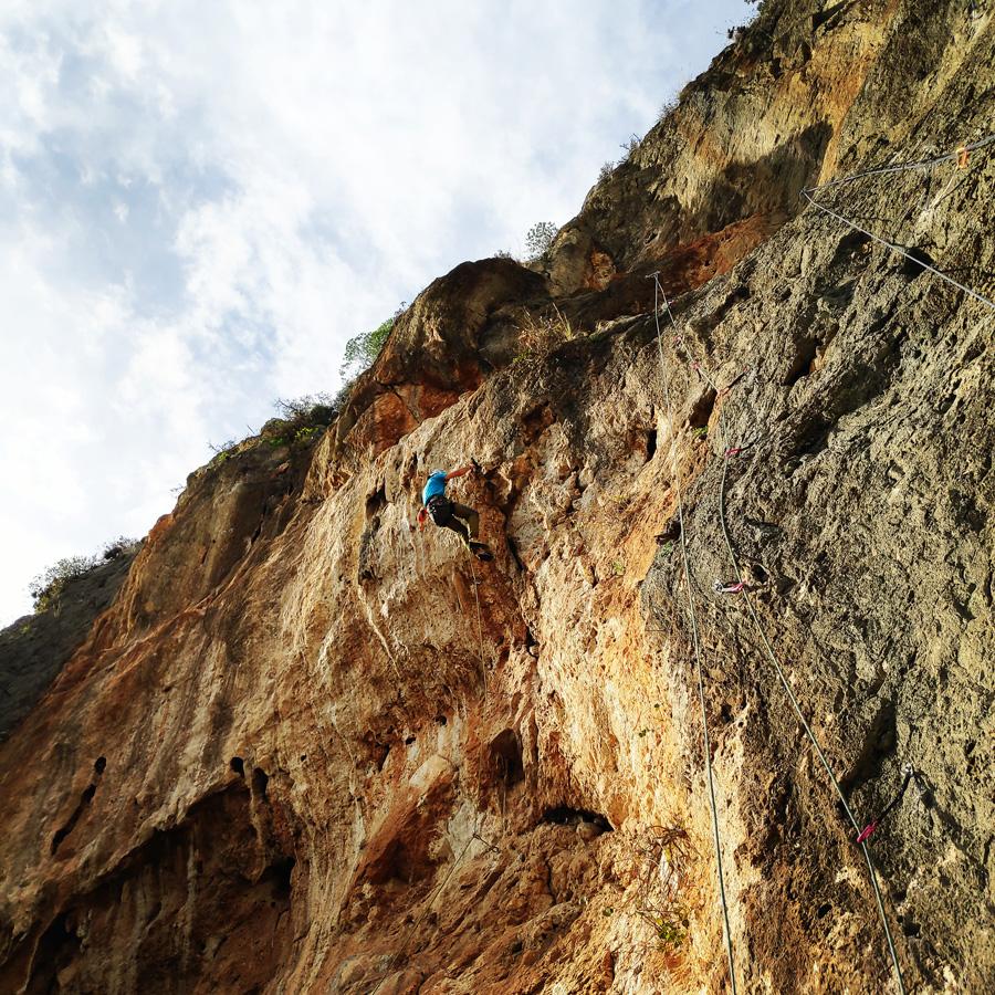 Climbing_Kandia_Argolis_Agios_Andonis_195113_165
